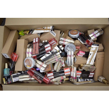 wholesale LOT L'Oréal New Overstock Cosmetic Lots 250 units